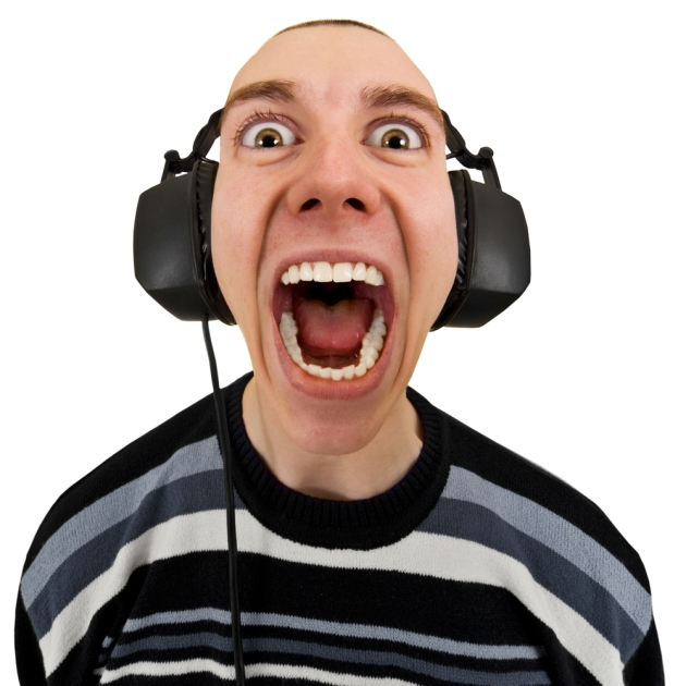 screaming-man-with-headphones