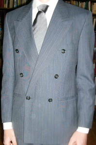 Grey_Double-Buttoned_Suit_Jacket
